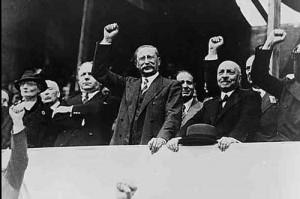 Léon Blum lors de la victoire du Front Populaire en 1936