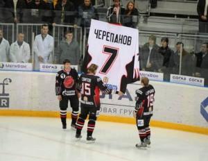 La formation d'Omsk rend hommage à Cherepanov en retirant son numéro 7