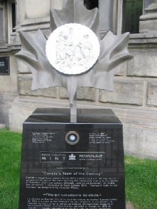 Sculpture hommage au Team Canada 1972 (Hall of Fame)